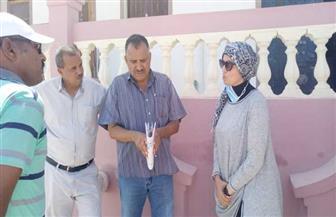 رئيس مدينة سفاجا تقود حملة لمنع التعديات على أراضي أملاك الدولة بالأحياء الجديدة | صور