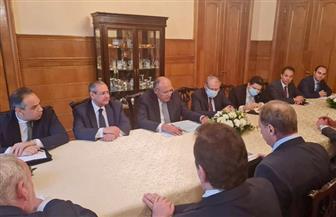وزير الخارجية يبحث سبل تطوير العلاقات الثنائية مع مبعوث الرئيس الروسي للشرق الأوسط |صور