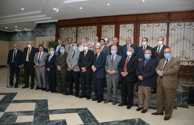 تكريم  رؤساء سابقين لجامعة طنطا فى يوم الوفاء لجيل الرواد| صور