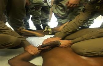 شاهد.. لحظة القبض على قائد السيارة مقتحم الحرم المكي| صور و فيديو