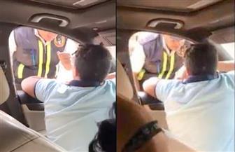 النائب العام يأمر بفتح تحقيق في تعدي طفل على شرطي مرور