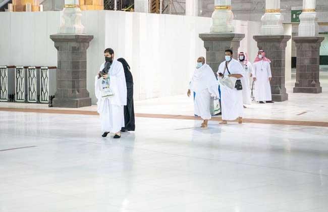 السعودية تستقبل الفوج الثالث من معتمري الخارج وسط إجراءات احترازية مشددة