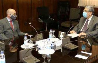 وزير الكهرباء وسفير قبرص يتابعان مستجدات مشروع الربط الكهربائى