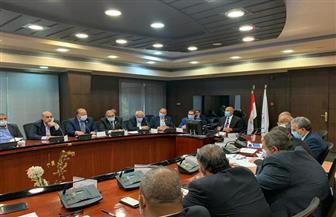 وزير النقل يترأس اللجنة الخاصة بنقل المرافق المتعارضة مع تطوير الطريق الدائري حول القاهرة الكبري