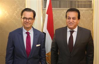 وزير التعليم العالي يستقبل السفير الفرنسي بالقاهرة لبحث آفاق التعاون العلمي بين مصر وفرنسا|صور