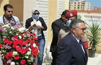 محافظ البحر الأحمر يضع إكليلا من الزهور على النصب التذكاري للجندي المجهول | صور