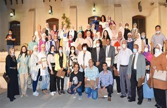 وزيرة الثقافة تسلم شهادات تخريج الدفعة الأولى للدارسين بمبادرة «صنايعية مصر» | صور
