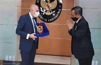 سفير مصر في جاكرتا يلتقي الوزير المُنسق المعني بالشئون السياسية والقانونية والأمنية