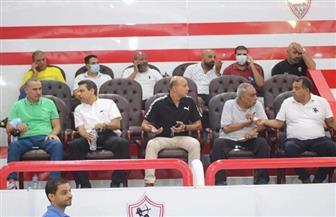 رموز الزمالك يتوافدون على مقر النادي لدعم مرتضى منصور