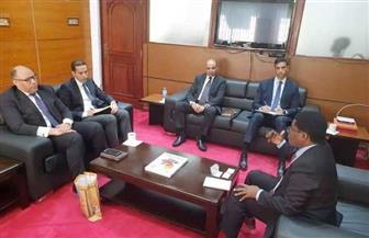 سفير مصر بدار السلام يلتقي المدير التنفيذى لمركز الاستثمار التنزاني