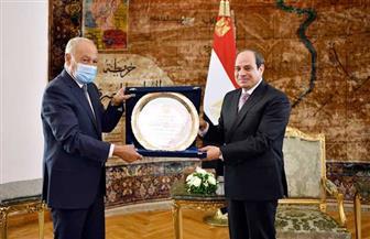 الرئيس السيسي: درع العمل التنموي العربي مُهدى للمصريين الذين ساهموا بوعيهم في إنجاح جهود الإصلاح الاقتصادي