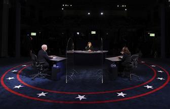 """بنس يتهم هاريس بـ""""تقويض ثقة"""" الأمريكيين بلقاح مضاد لكورونا"""