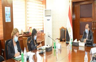 وزير التنمية المحلية يبحث  مع مسئولي برنامج الأمم المتحدة الإنمائي مجالات التعاون المشتركة |صور