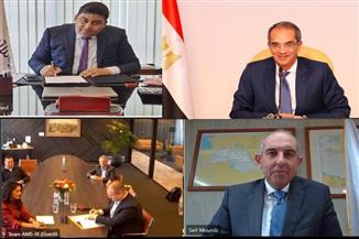 وزير الاتصالات يشهد توقيع شراكة استراتيجية بين المصرية للاتصالات وAMS-IX  الهولندية