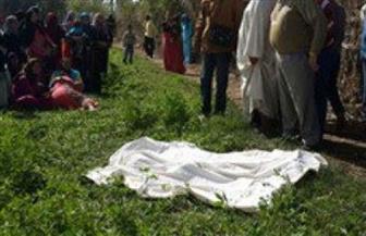 العثورعلى جثة لشاب مذبوح ومصاب بطلقات نارية فى زراعات قرية بقنا