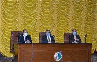 نائب جامعة الفيوم يشدد على تطبيق الإجراءات الاحترازية | صور