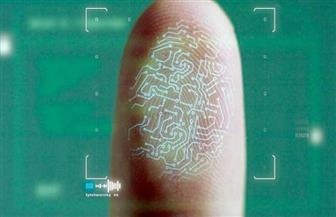 خبير يكشف خطر استخدام بصمة الإصبع لفتح الهاتف