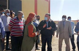محافظ البحر الأحمر يصدق على كشوف المستحقين لمساكن بديلة للعشوائيات بسفاجا | صور