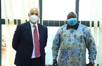 سفير مصر بكمبالا يلتقي وزير الدولة الأوغندي للعلاقات الخارجية