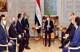 الرئيس السيسي يزور البرلمان اليوناني ويستعرض مع رئيسه رؤية مصر الشاملة لمكافحة الإرهاب