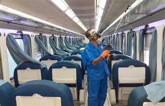السكك الحديدية تواصل أعمال تطهير وتعقيم المحطات والقطارات| صور