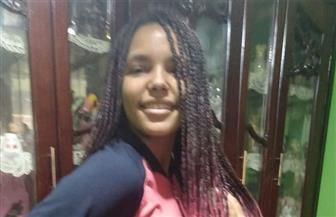 مصادر بـ «التعليم»: فصل طالبة «ضفائر الشعر الفوشياء» وإلغاء ندب والدتها معلمة الجغرافيا
