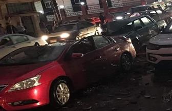 سقوط نخلة وتضرر سيارات وشلل مروري وبرك مياه بشوارع المنصورة |صور