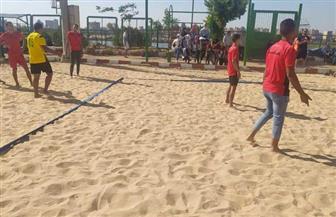 التربية الرياضية بسوهاج تحصد كأس بطولة الجامعة للكرة الطائرة الشاطئية | صور