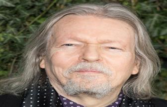 «القاهرة السينمائي» يمنح كريستوفر هامبتون جائزة الهرم الذهبي التقديرية لإنجاز العمر