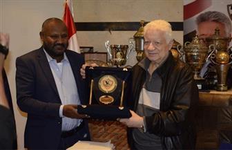 وفد من الهلال السوداني يزور الزمالك.. ومرتضى منصور يرحب بإقامة «سوبر وادي النيل»