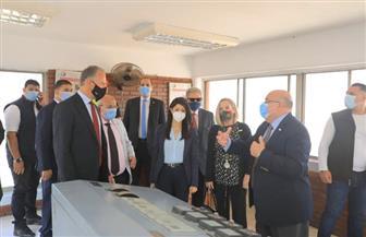 وزيرة التعاون الدولي والسفير الأمريكي يتفقدان محطة مياه روض الفرج   صور