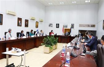 وزير السياحة والآثار يناقش الوضع الراهن للقطاع مع أعضاء الاتحاد المصري للغرف السياحية