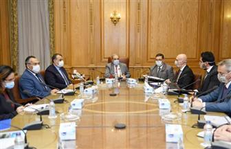 وزير الإنتاج الحربي يبحث التعاون مع شركة صربية في تصنيع الأقنعة الواقية من الأسلحة الكيميائية