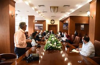 محافظ بورسعيد يوجه رؤساء الأحياء بمتابعة برنامج تراخيص البناء الرقمي | صور