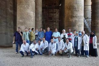 فريق بحثي ألماني مصري يعيد إظهار الألوان لنقوش على جدران معبد أخنوم بالأقصر | صور