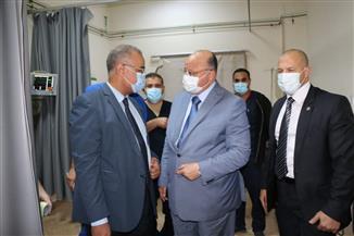 """محافظ القاهرة يتفقد مصابي حادث """"أتوبيس الأطفال"""" على الدائري"""