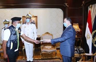 وزير الداخلية يكرم أمين الشرطة المعتدى عليه من طفل المعادي.. ويؤكد التزام رجال الأمن بتطبيق القانون