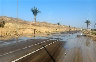 """""""المرور"""": إعادة فتح 3 طرق رئيسية بعد تحسن حالة الطقس"""
