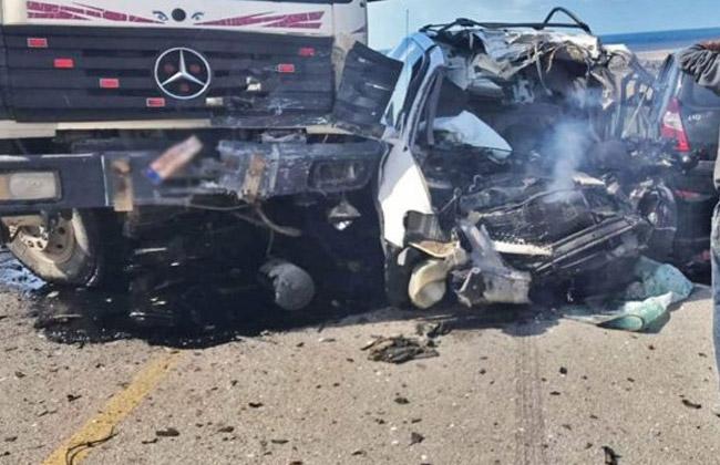 مصرع سائق في حادث تصادم سيارتي نقل بالسويس