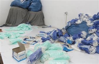 ضبط مصنع غير مرخص لتصنيع الكمامات الطبية بالقاهرة