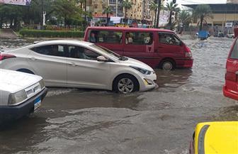 محافظ الإسكندرية: مياه الأمطار فاقت الطاقة الاستيعابية لمطابق الصرف الصحي والشنايش
