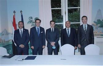 وزيرا النقل المصري والفرنسي يشهدان توقيع الاتفاقية التنفيذية لإعادة تأهيل الخط الأول
