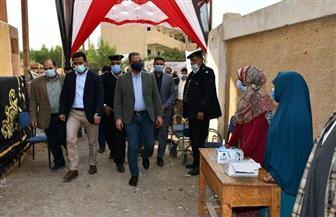 «الأنصاري» يوجه بغلق 3 مقاه بسبب «الشيشة» بجولة تفقدية للجان انتخابية في الفيوم   صور