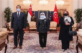 رئيسة سنغافورة تثمن التعاون مع الأزهر ودوره كمنارة للإسلام المعتدل في العالم | صور