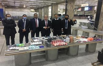 جمارك مطار القاهرة تضبط محاولة تهريب كمية من الهواتف المحمولة   صور