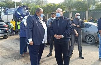 محافظ القاهرة يتابع عمليات شفط المياه بالشوارع | فيديو