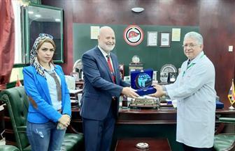 درع هيئة آل مكتوم الخيرية الإماراتية للدكتور جمال شيحه|صور