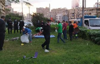 """فريق """"أطفال وكبار بلا مأوى"""" ينقذ سيدة وأبنائها مقيمين في حديقة بالقاهرة   صور"""
