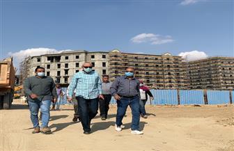 هيئة المجتمعات العمرانية تتابع أعمال التشطيبات بالأبراج الشاطئية وعمارات الداون تاون بمدينة العلمين