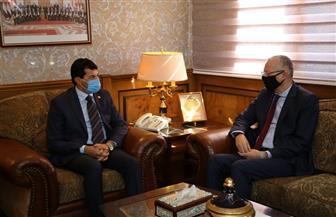 وزير الشباب والرياضة يستقبل سفير مصر لدي بولندا قبل استلام مهام عمله | صور